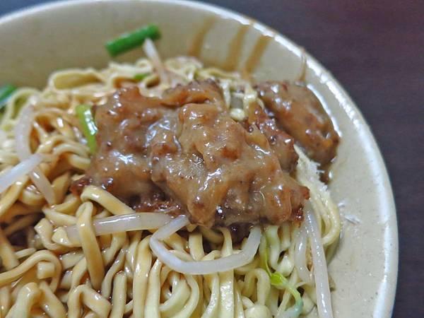 【台北美食】阿仁小吃店-無敵強大,令人回味的豬油乾麵
