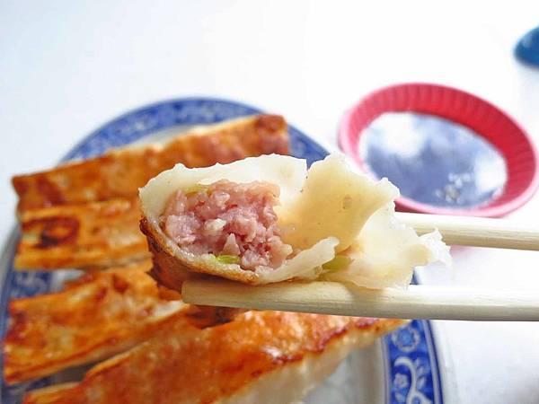 【台北美食】萬華佳佳香鍋貼-酥脆可口的美味鍋貼