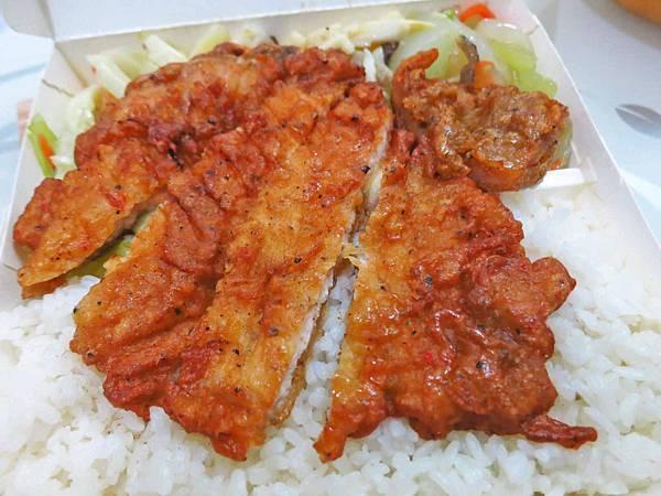 【蘆洲美食】葉家排骨飯-低調的美味排骨飯店