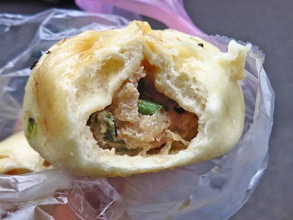 【台北美食】江蘇水煎包-皮薄餡多的美味水煎包