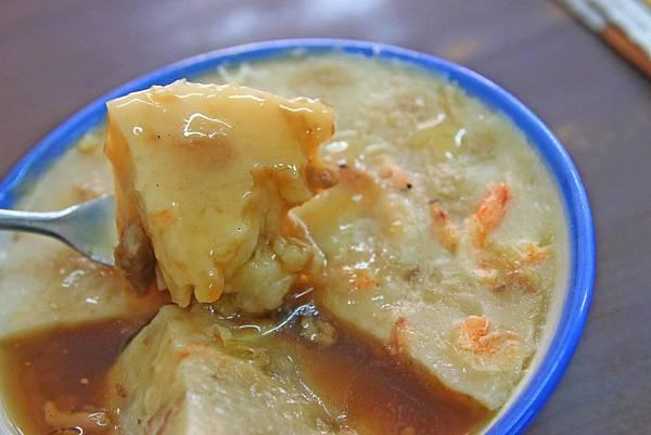 【新莊美食】府城碗粿-加入櫻花蝦的美味碗粿