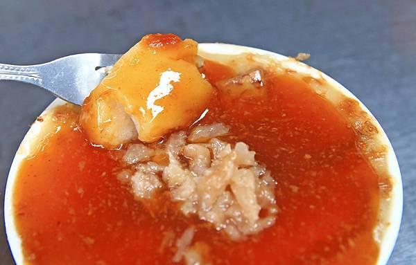 【板橋美食】津贊蔡家碗粿-歷史悠久市場裡的老字號路邊攤小吃