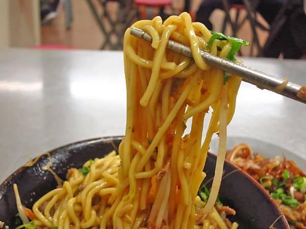【五股美食】台北橋花枝羹大腸麵線-吃過的人都極力推薦的美食小吃店
