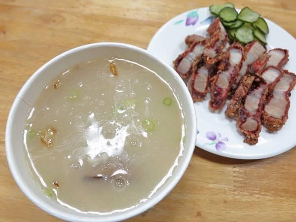 【台北美食】三娘香菇肉粥-網路評價極高的美味肉粥店