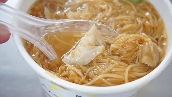 【三重美食】溪美大腸蚵仔麵線-在地人推薦20年老字號美食小吃店