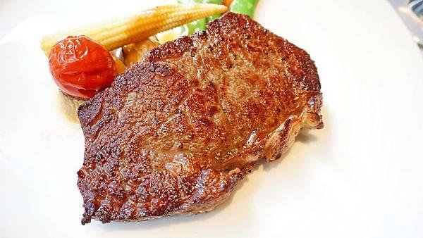 【台北美食】雅室牛排-全台北CP值最高的商業午餐高級牛排館