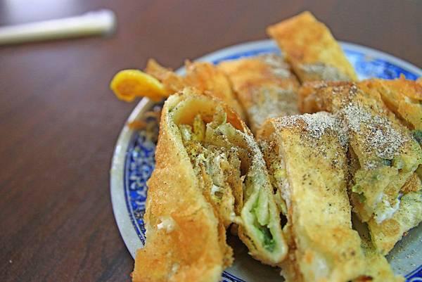 【台北美食】重慶豆漿炸蛋餅-吃了讚不絕口!超過40年老字號炸蛋蛋餅店