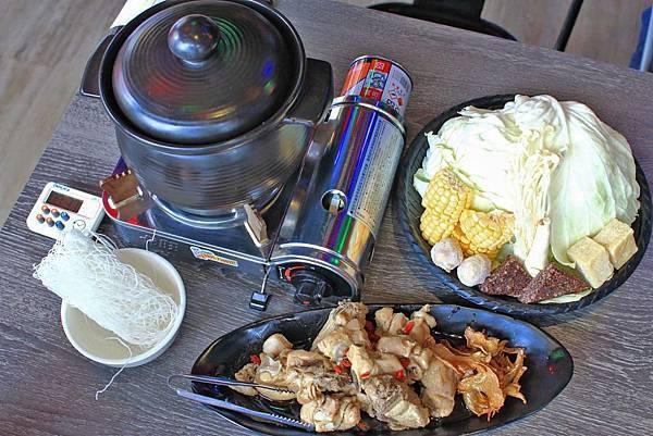 【台中美食】水貨烤魚-一吃停不下手,一口接一口的鮮甜烤魚火鍋料理!