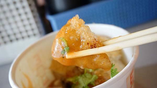 【台北美食】冠捷黃金脆皮肉圓-隱藏在饒河夜市巷弄裡的美味脆皮肉圓