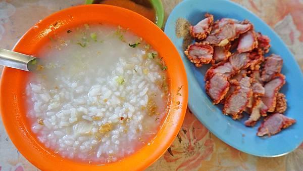 【三重美食】吳記鹹粥-便宜又美味的鹹粥小吃店