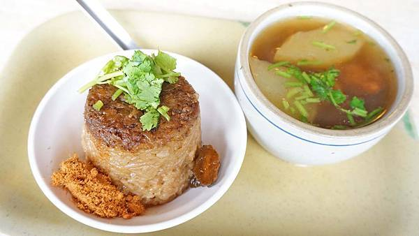 【台北美食】王記排骨酥湯-用餐時間總是大排長龍的小吃店