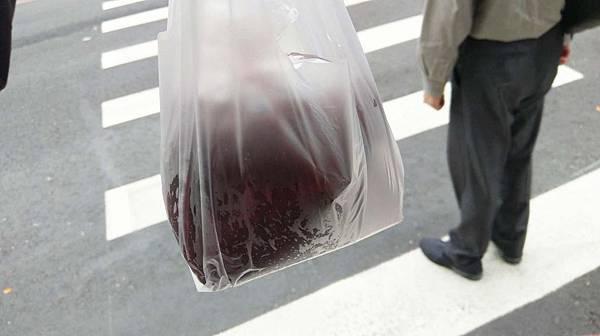 【蘆洲美食】無名路邊紅豆湯-同樣價格卻是5倍以上份量的爆誇張美食!