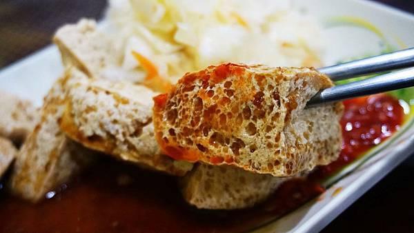 【林口美食】極臭臭豆腐-附近居民吃了都讚不絕口的美食小吃店