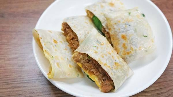 【台北美食】好時光傳統美食-別的地方吃不到的魯肉蛋餅!