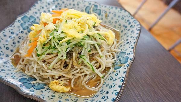 【台北美食】三郎皮蛋涼麵-別的地方吃不到的皮蛋口味特製涼麵