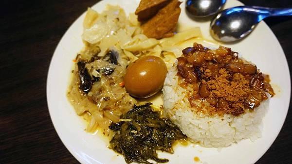 【台北美食】五分埔魯肉飯-五分埔裡最強必吃美食小吃店