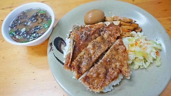 【台北美食】曹記溫州大餛飩-讓人吃了都讚不絕口的60年老字號排骨飯