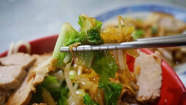 【板橋美食】阿同小吃店-在地人讚不絕口的平民小吃店