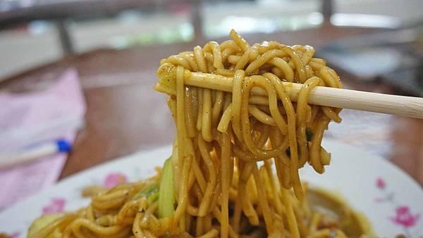 【台北美食】基隆麵食館-吃了會讓你讚不絕口的咖哩炒麵