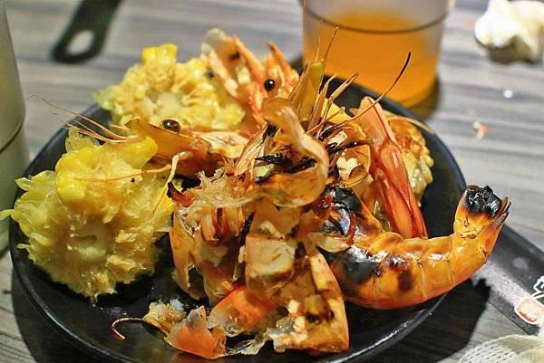 【台北美食】好客海鮮炭火燒肉-厚切牛舌、牛小排、橫膈膜等超過200樣食材無限量吃到飽