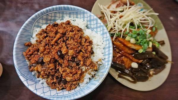 【台北美食】夯仔口牛肉麵-無敵大份量,CP值爆表的隱藏版美食