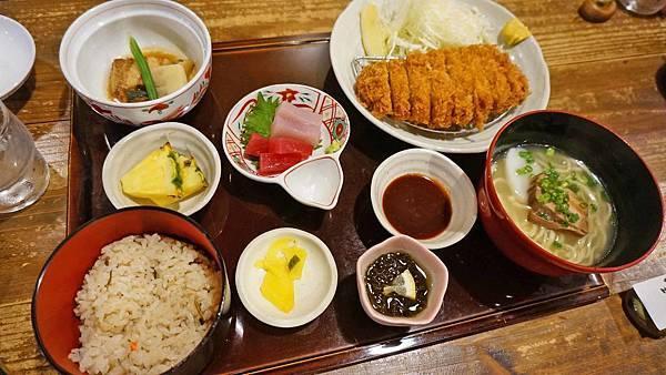 【沖繩美食】Ryukyu Sabo Ashibiuna 琉球茶房-沖繩在地料理的庭園式餐廳