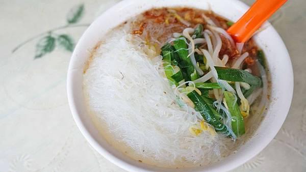 【台北美食】蓬萊國小麵店-沒有招牌沒有店名網路高評價的小吃店
