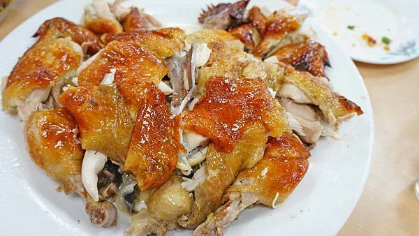 【八里美食】香坊甕之雞-隱身在山中的美味甕窯烤雞