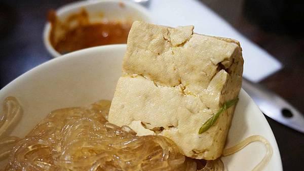 【板橋美食】梁季港式小火鍋-便宜又大份量的美味小火鍋