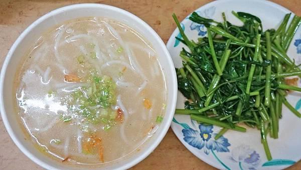 【台北美食】姊妹米粉湯-隱身在忠孝SOGO百貨公司附近的超美味平價美食