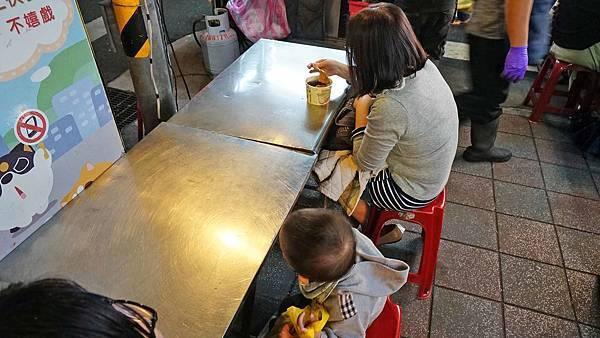 【台北美食】華榮市場口甜不辣-晚上才會出現的路邊攤美食