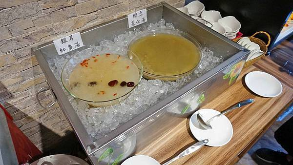 【台北美食】川夜宴無二火鍋樓-最便宜不到600元就能無限量吃到飽麻辣火鍋店