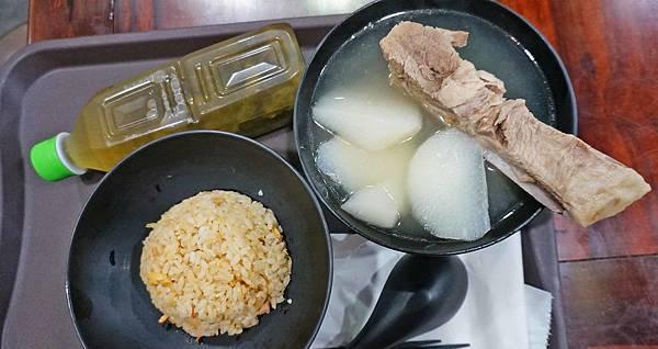【台北美食】誠記原汁排骨湯-24小時營業的美味又好吃的大骨湯美食