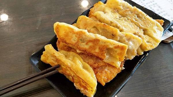 【台北美食】品方小吃店-完全不輸給知名連鎖店的爆美味鍋貼店