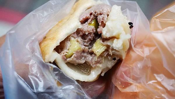 【台北美食】御膳品水煎包-光華商場附近巷弄裡的水煎包店