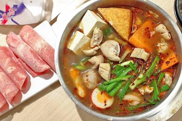 【台北美食】21金火鍋-平價湯頭又美味的超人氣小火鍋店