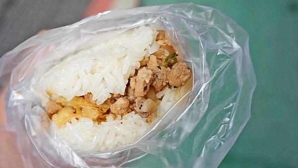 【台北美食】就是愛 光華煎餅果子.特色飯糰-附近學生都讚不絕口的超人份量美味飯糰