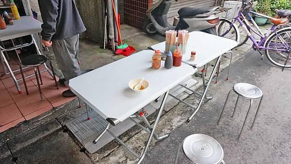 【台北美食】香菇肉羹-隱藏在巷弄裡人潮幾乎不間斷的無名路邊攤小吃店