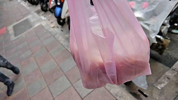 【三重美食】無名水煎包.‧小籠包-超便宜的價格!5元水煎包5元肉包,絕無僅有的銅板價
