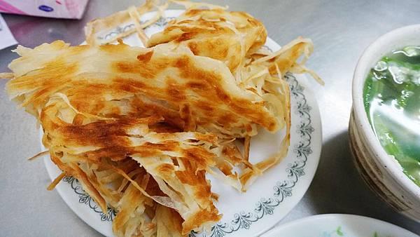【台北美食】萬福餡餅粥-隱身在大稻程裡讚不絕口的美味窩絲餅