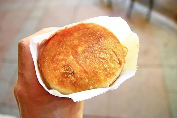 【台北美食】温州街蘿蔔絲餅達人-無時無刻都會大排長龍的美味蘿蔔絲餅