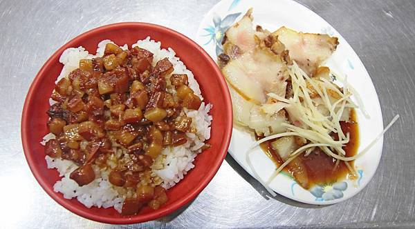 【台北美食】許記-香噴噴迷人的滷肉飯美食小吃店