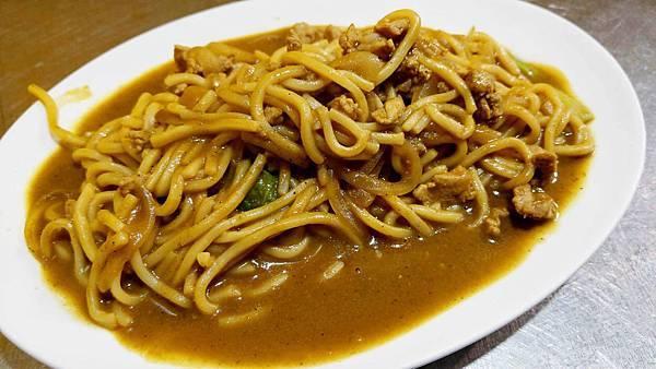 【基隆美食】阿華炒麵-排隊人潮從來沒有斷過的基隆廟口必吃美食