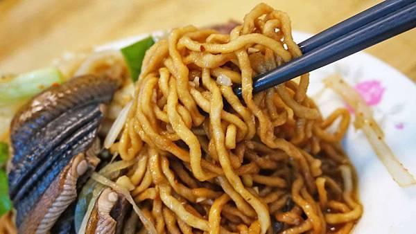 【台南美食】尺二鱔魚意麵-酸甜酸甜層次分明的好吃鱔魚意麵