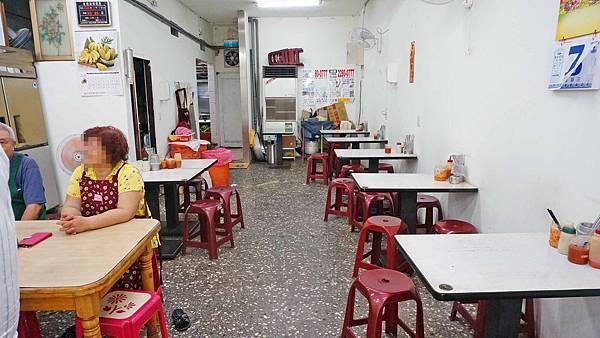 【三重美食】蔡媽媽油飯小吃店-吃了會讚不絕口的美味油飯小吃