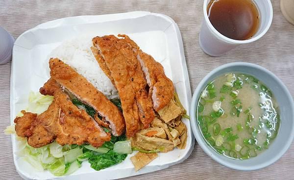【台北美食】億頓排骨-中午用餐需要排隊的排骨飯