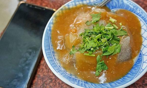 【台北美食】金龍大腸麵線-隱身在市場附近的美味小吃店