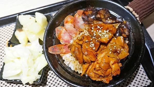 【台北美食】寶煲食堂-滿滿鍋巴帶有焦香的煲仔飯美食