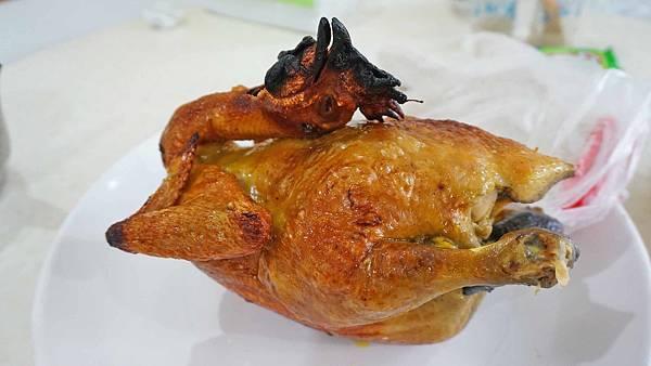 【新店美食】烏來新福山烤雞甕仔雞-外皮酥脆的烤雞美食