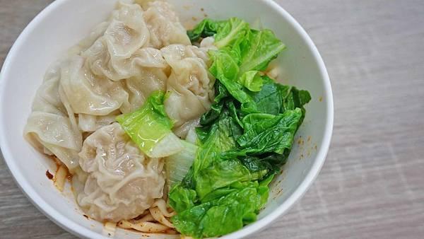 【台北美食】強記雞肉飯-隱身在市場裡的高評價美食小吃店
